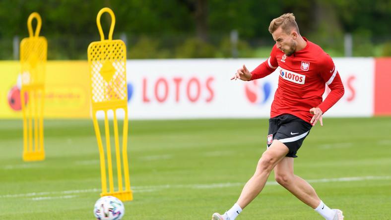 Piłkarz reprezentacji Polski Michał Helik podczas treningu kadry w Opalenicy
