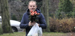 Premier Tusk kupił kwiaty. Ale nie dla żony!