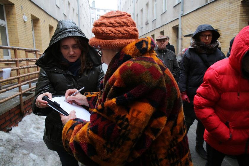 Protest mieszkańców z kamienicy na Próchnika