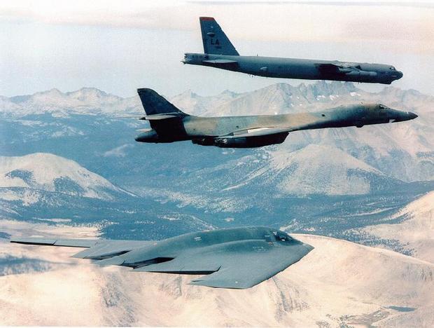 B-52, B-1B i B-2 - obecnie wykorzysywane bombowce strategiczne USA
