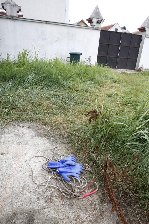 Trostruko ubistvo u Surčinu