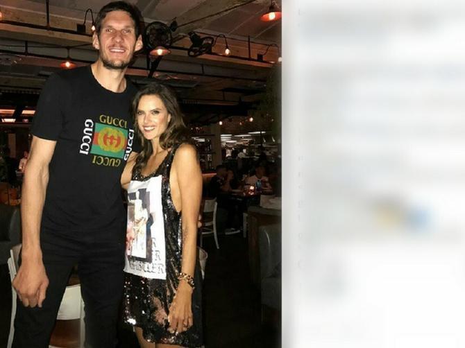 Ovo će ga SKUPO KOŠTATI: Bobi se pohvalio sliku sa brazilskom seks bombom, a odgovor njegove žene Milice je HIT
