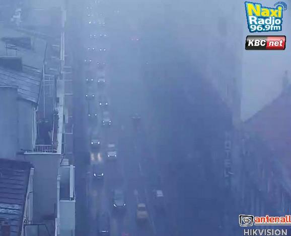 Gusta magla dodatno otežala saobraćaj i na Brankovom mostu