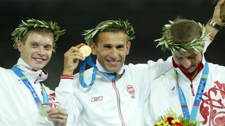Robert Korzeniowski jest czterokrotnym mistrzem olimpijskim w chodzie (1996 - 50 km, 2000 - 20 km, 50 km, 2004 - 50 km)