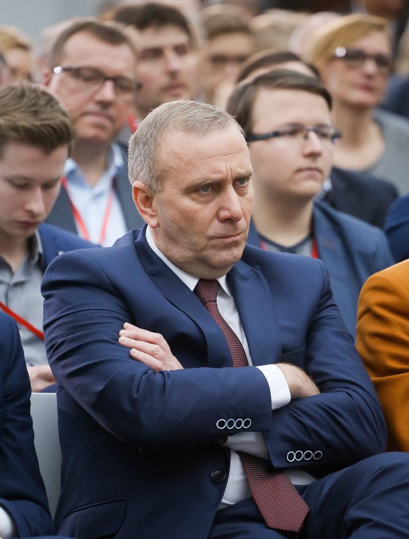Grzegorz Schetyna idzue w ślady Kaczyńskiego