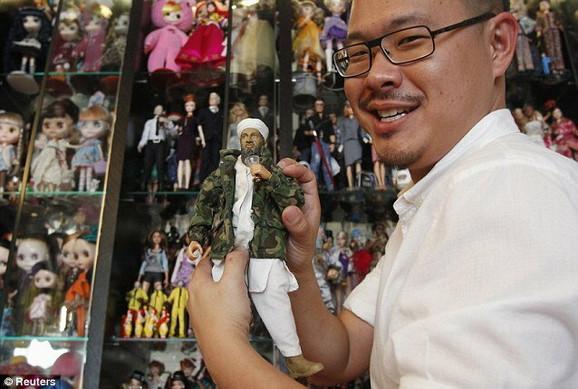 Lutka sa likom Osame bin Ladena