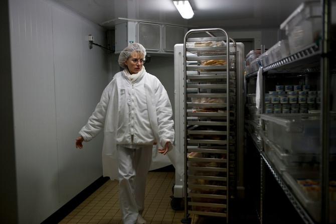 Blumfild je rekao da virus može dugo da opstane u hladnjačama