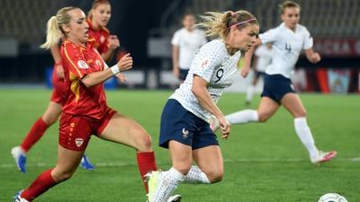 Le Sommer breaks France scoring record