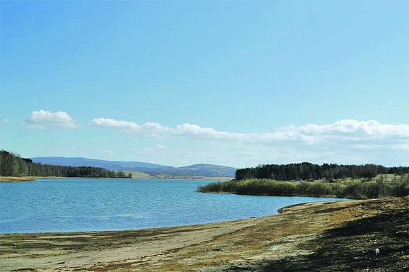 Meštani ne pamte ovako nizak vodostaj i zabrinuti su za biljni i životinjski svet, ali i za turizam