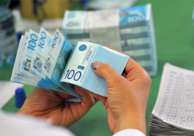 Razvojna agencija za podsticaje ulaganjima imati na raspolaganju ukupno osam milijardi dinara, od čega je oko 30 miliona evra za nova ulaganja