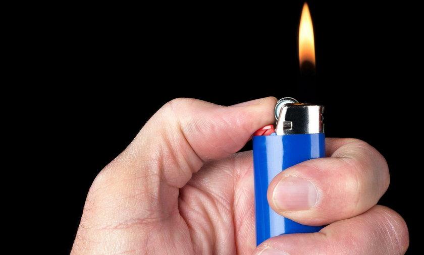 Horror koło Kwidzyna! Najpierw bawił się zapalniczką, a później podpalił kolegę...