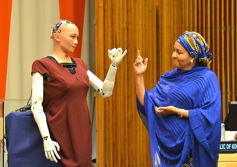 Deputy UN Secretary-General Amina Mohammed interacts with Sophia the robot