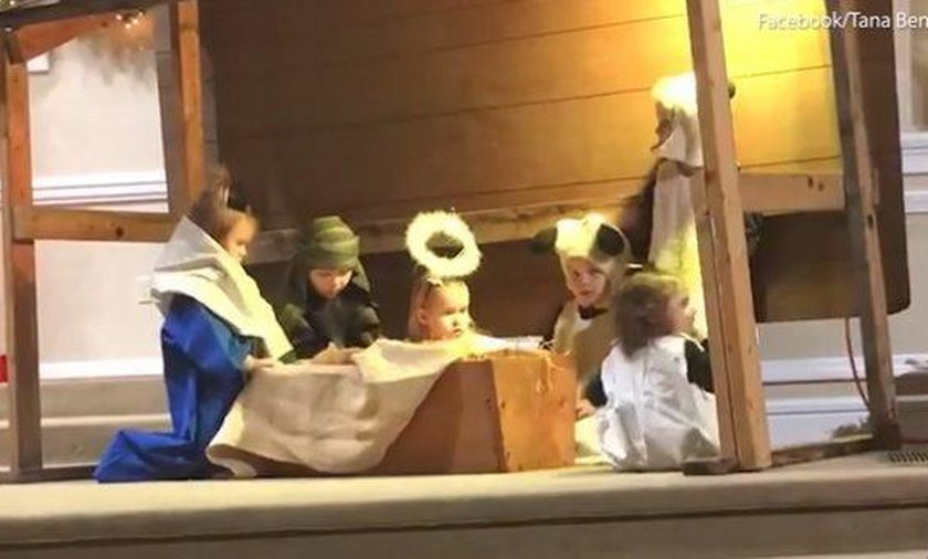 Szopka podczas jasełek. Poszło o Jezusa