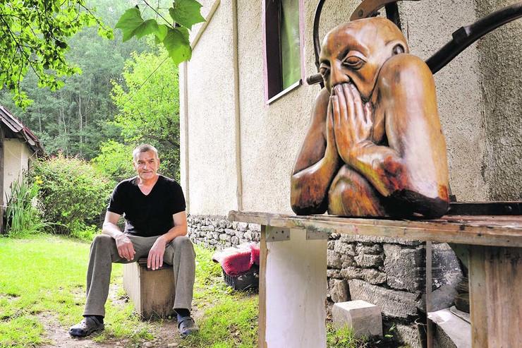 Požega, Dragan Jovićević Macola, umetnik