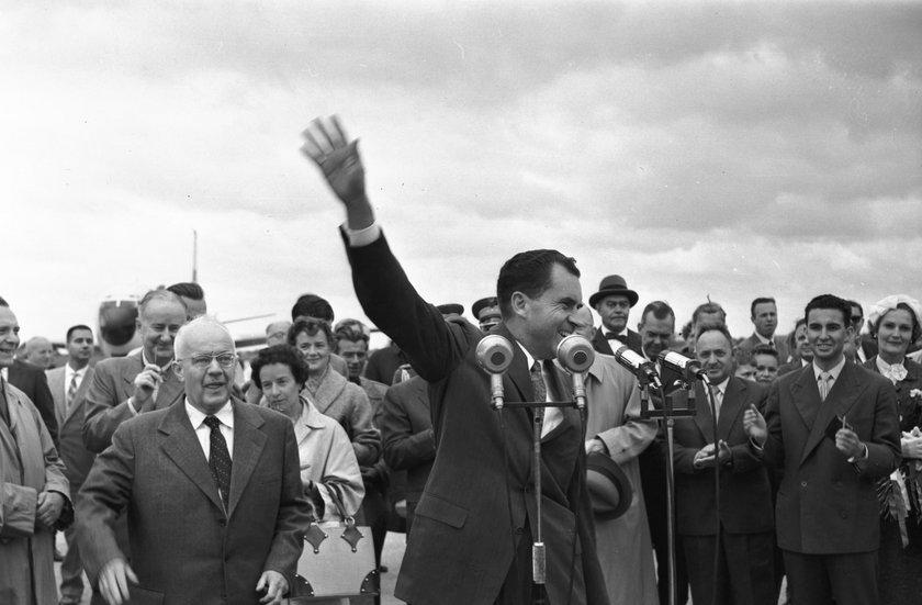 Nixon po zakończeniu pożegnalnego przemówienia