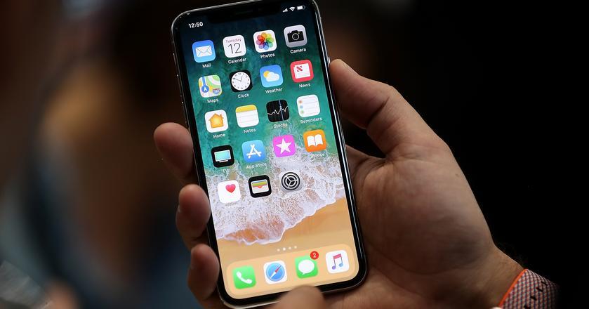Apple nie nadąża z produkcją iPhone'ów X