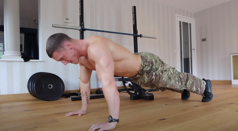 Watch This Bodybuilder Take on the Russian Army Fitness Test