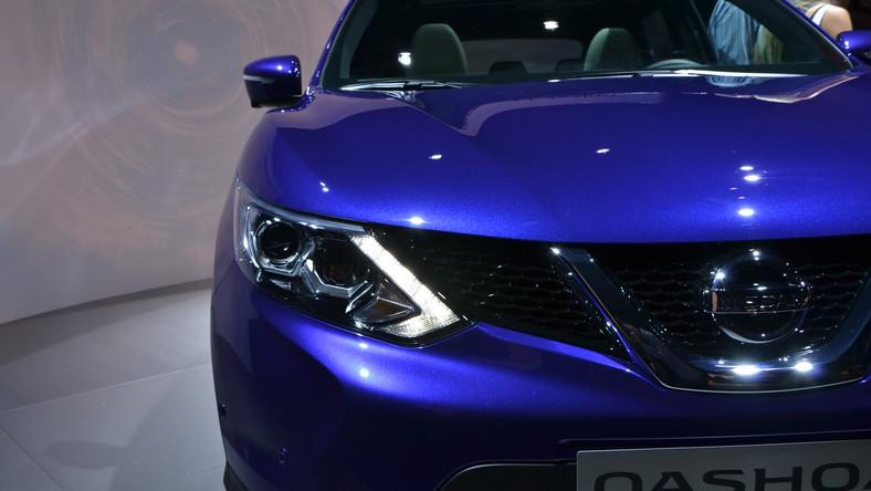 Nissan od debiutu w 2006 roku sprzedał 2 mln sztuk pierwszej generacji modelu qashqai. W Polsce ten samochód przez lata był bestsellerem i liderem w klasie - do końca września 2013 roku japońskiemu producentowi udało się sprzedać 34 373 sztuki tego auta. Kierowcy nad Wisłą wręcz go pokochali. Po siedmiu latach produkcji przyszła pora na zmianę warty - w Londynie Nissan oficjalnie zaprezentował drugą generację modelu qashqai. Już wiemy, co tym razem zaserwuje kierowcom producent…