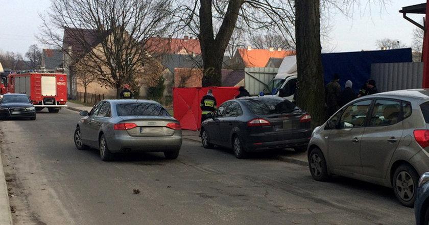 Tragiczny wypadek w Gozdnicy. Ciężarówka przejechała po kobiecie