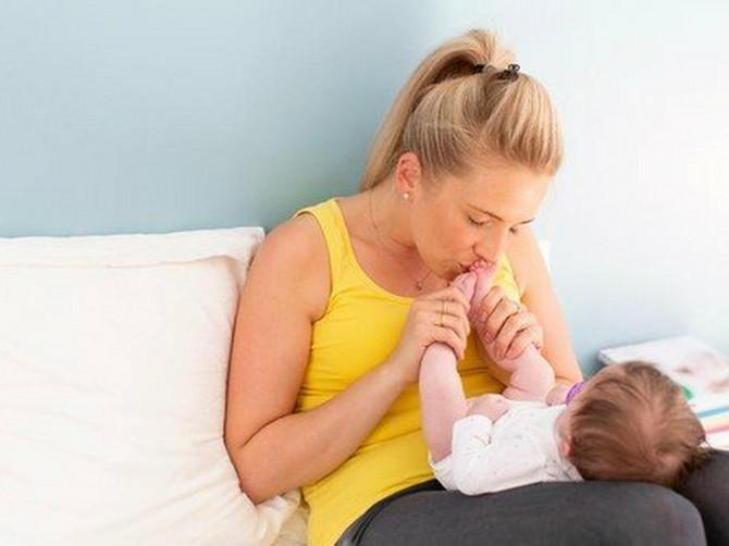 Higijena beba devojčica: Najčešća brige i dileme roditelja