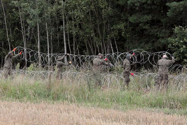 Drut kolczasty na granicy polsko-białoruskiej