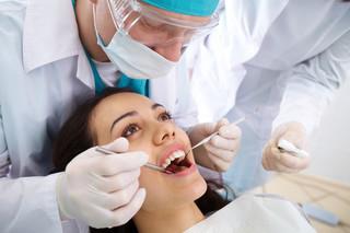Stomatolog: W czasie pandemii koronawirusa odwiedzajmy gabinety dentystyczne tylko w pilnych przypadkach