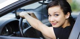 Trzymasz w ten sposób ręce na kierownicy? Może skończyć się tragicznie
