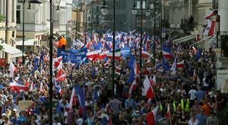 Trzy marsze z okazji 'Dnia Europy'. Było spokojnie i bez incydentów