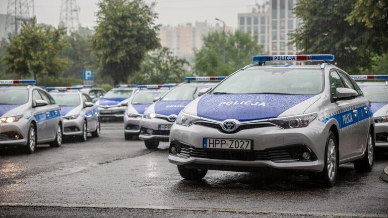 Hybrydowe Toyoty Auris Kombi w służbie policji