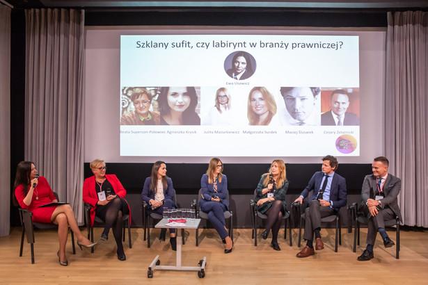 """Konferencja """"Kobiety przyszłością branży prawniczej""""; jeden z paneli"""