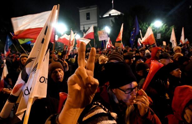 """""""W planach świątecznych jest kontynuowanie protestu"""" na sali sejmowej przez opozycję."""