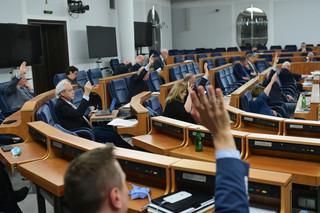 Senat wzywa media publiczne do zapewnienia pełnego obiektywizmu