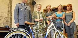 Babcia Genowefa dostała nowy rower!