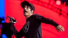 """""""Jak sobie radzimy na meczu futbolowym?"""" - przeczytaj fragment biografii Red Hot Chili Peppers"""