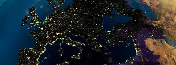 Ranking portalu expatistan.com powstaje w oparciu o porównanie cen życia w poszczególnych miastach świata. Autorzy rankingu wybrali czeską Pragę, jako miasto wyjściowe, odnośnik do tworzenia rankingu. Praga w rankingu otrzymała 100 punktów. W związku z tym w najdroższym do życia mieście świata, koszty utrzymania są wyższe 2,66 razy.