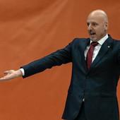 """""""OVAKO SE NE OSVAJAJU TROFEJI!"""" Saša Obradović dobio prvi derbi na klupi Zvezde, ali I TE KAKO ima šta da zameri igračima!"""