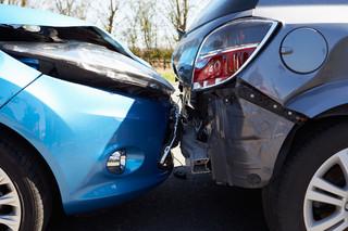 Samochód Żandarmerii Wojskowej z Antonim Macierewiczem zderzył się z innym autem