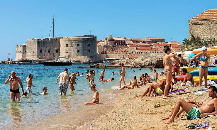Dubrovnik plaža Hrvatska pokrivalica