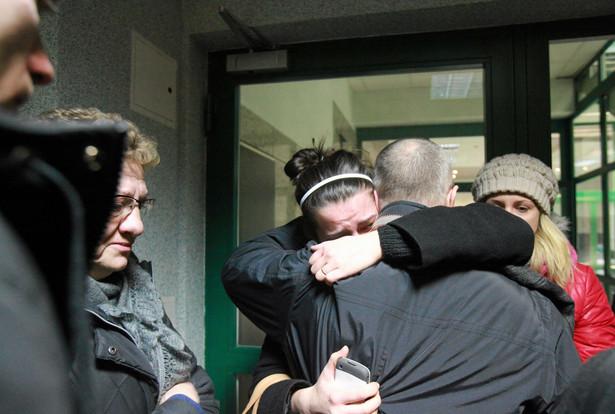 Rodziny górników uwięzionych w kopalni w Polkowicach
