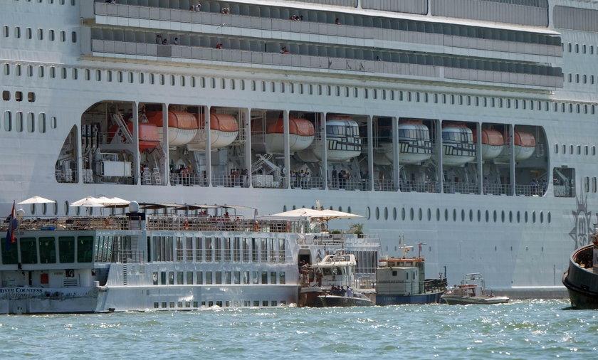 Gigantyczne wycieczkowce to częsty widok w Wenecji