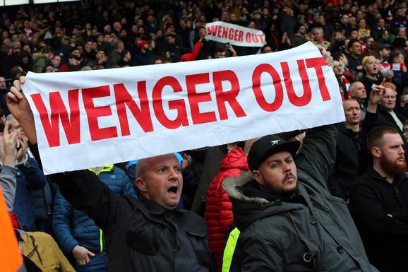 Navijači žele da Venger ode sa klupe Arsenala