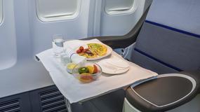 Tych dań nie jedz przed wejściem na pokład samolotu