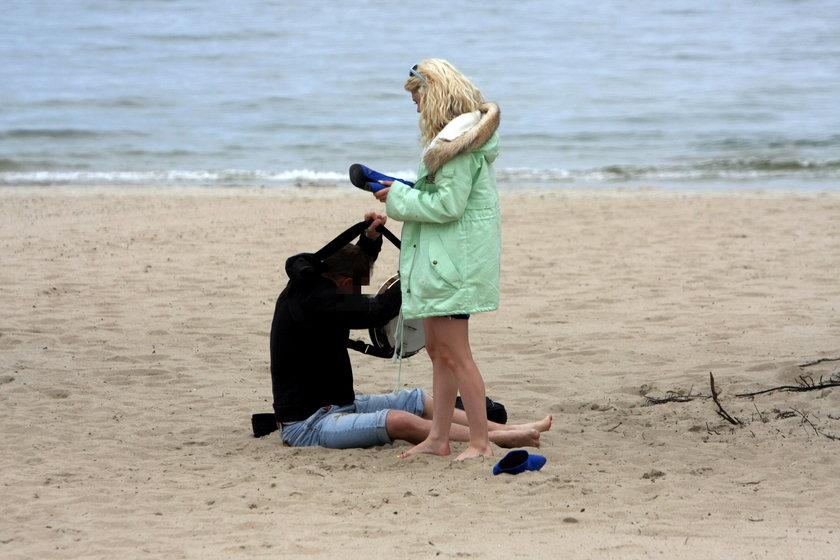 Margaret ze znajomymi na plaży w Sopocie