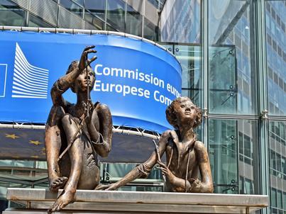 Komisja Europejska ma uprawnienie do wydawania kar