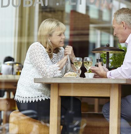 Das sollten Sie auf keinen Fall beim ersten Date sagen