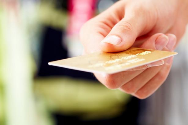Już 39 proc. Polaków deklaruje, że programem lojalnościowym zainteresuje się tylko wówczas, gdy będzie mogło wymienić punkty na gotówkę lub na natychmiastowy rabat za zakupy.
