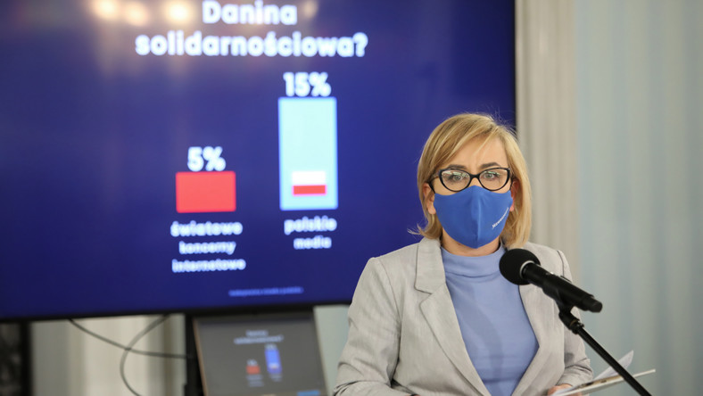 Posłanka KO Paulina Hennig-Kloska podczas konferencji prasowej w Sejmie w Warszawie,