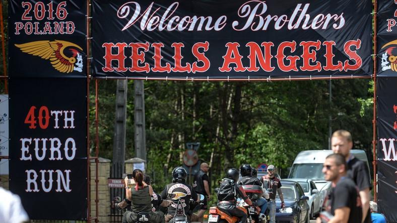Oficjalnie klub motocyklowy Hells Angels powstał 17 marca 1948 roku w Fontanie w stanie Kalifornia.
