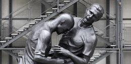 Szok! Jest rzeźba walącego z byka Zinedine Zidane