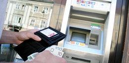 Prace serwisowe w weekend w bankach, lepiej wypłać gotówkę